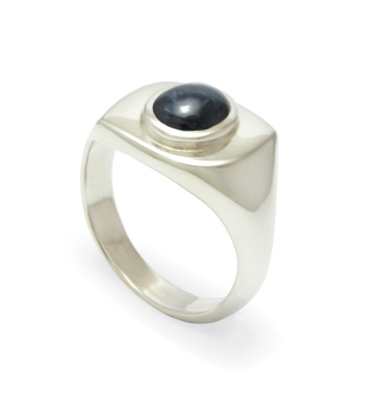 Signet ring with blue star sapphire by Benjamin Black Goldsmiths.
